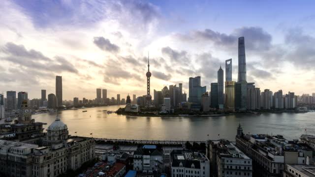 Lapso-de-tiempo-de-4K-de-Shanghai-y-paisaje-al-amanecer