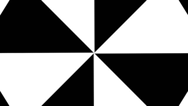 Hypnotic-Rhythmic-Movement-Black-And-White-triangles