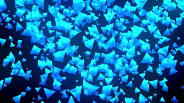 Global-Business-Network-pirámides-azul-sobre-fondo-negro-Loop-animación-de-brillo-