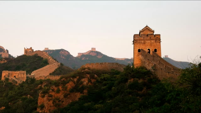 panning-left-shot-of-the-great-wall-of-china-at-sunset