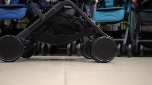 Details-of-a-baby-stroller-in-a-close-up-shop