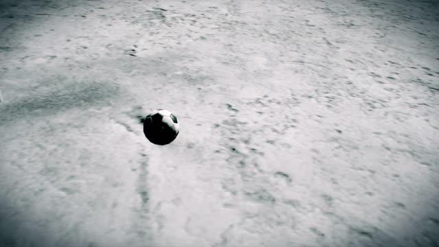 Fußball-spielen-zwei-Astronauten-auf-dem-Mond-Realistische-filmische-3D-Hintergrund-animation