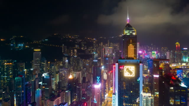 Nacht-Beleuchtung-Innenstadt-Stadtbild-Antenne-Timelapse-Panorama-4k-Hongkong