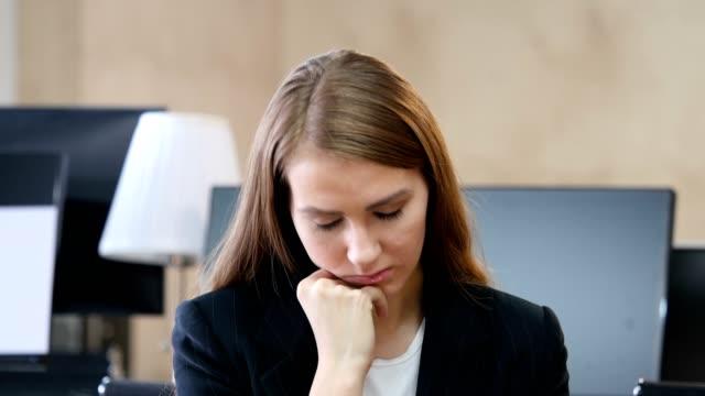 Sleeping-Woman-in-Office-Portrait