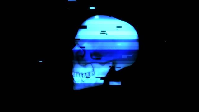 Menschlichen-rotierenden-Schädel-im-verzerrten-Glitch-Stil-auf-schwarzem-Hintergrund-