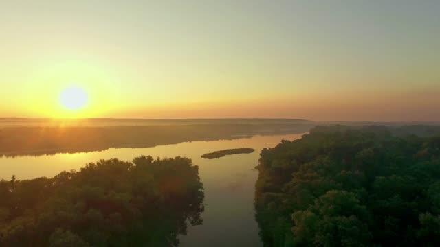orange-sunrise-on-the-river