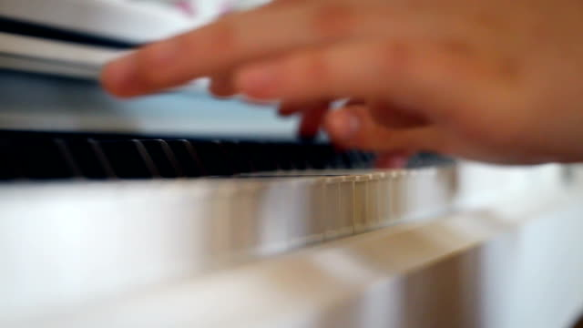 Playing-the-piano-very-close-zoom