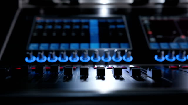 Sound-panel-for-audio-mixing-and-broadcasting