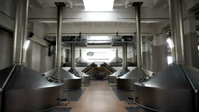 Brau-Produktion---Maische-Bottichen-
