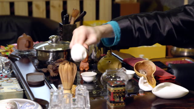 Chinese-traditions-Preparation-of-the-tea-ceremony-