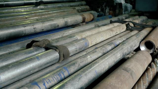 Almacén-de-tubos-metálicos
