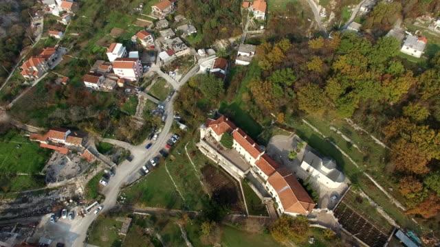 Monasterio-Podmaine-en-Budva-Montenegro-Adriático