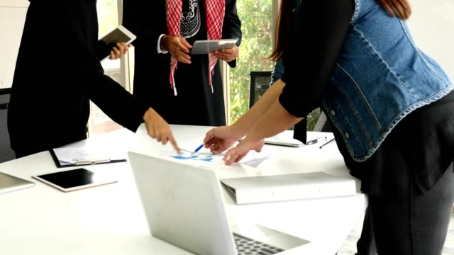 Business-people-conflict-problem-working-in-team-together-while-meeting-in-office