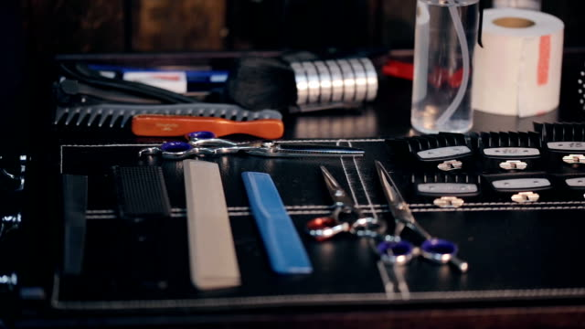 Hairdresser-tools-Scissors-and-combs-