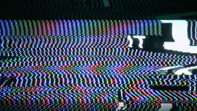 Analog-glitches-