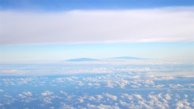 Aerial-shot-above-Hawaii-in-4k