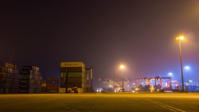 noche-iluminada-shenzhen-ciudad-trabajo-tráfico-puerto-industrial-panorama-4-tiempo-k-caer-china