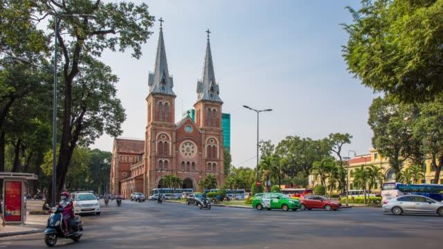 Catedral-de-Notre-Dame-en-Ciudad-Ho-chi-minh