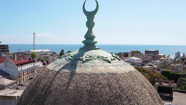 La-gran-mezquita-en-Rumania-Constanta