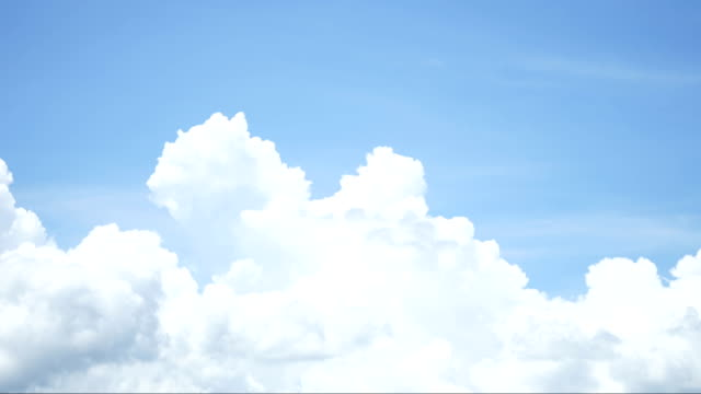 Time-lapse-cloud-mover-background