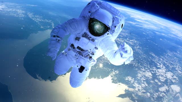 Astronaut-über-der-Erde-im-offenen-Raum
