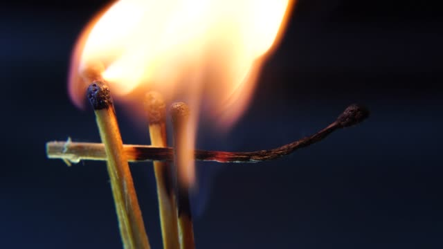 Burning-Matches-Chain-Reaction-And-Flame-