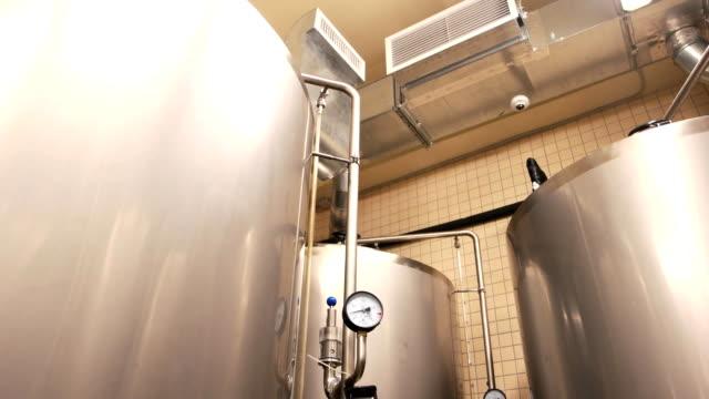 Panzer-in-Brauerei-Warenhaus-hautnah-