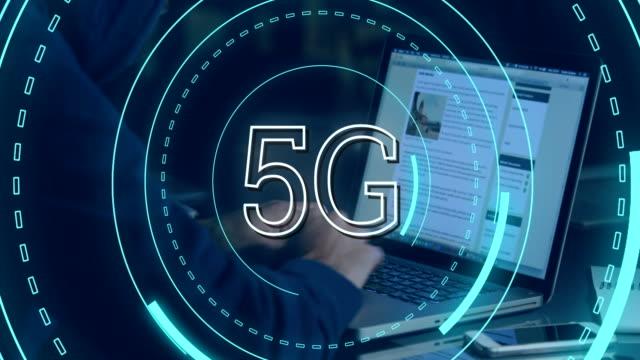 Hacker-y-5G-escrito-en-medio-de-un-círculo-futurista-4k