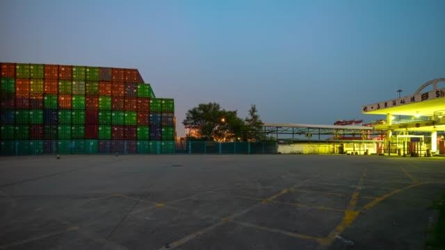 panorama-de-industrial-y-puerto-en-tráfico-del-atardecer-shenzhen-ciudad-trabajo-4-tiempo-k-caer-china
