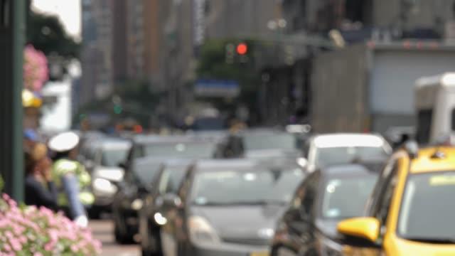 Pendler-und-Verkehr-Transport-Rush-Hour-auf-belebten-Straße-NYC