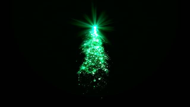 Weihnachtsbaum-mit-grün-leuchtenden-Lichter-fallende-Schneeflocken-und-Sterne-auf-schwarzem-Hintergrund-für-Dekoration-oder-Overlay-geschlungen