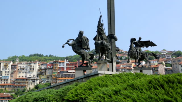 Monument-in-bulgarian-city
