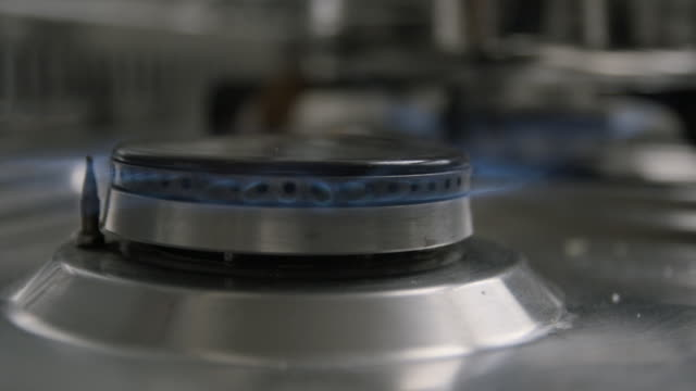 Gas-cooker-switch-on-slow-motion