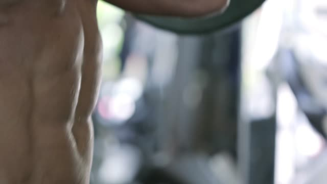 Lifting-Heavy-Barbell