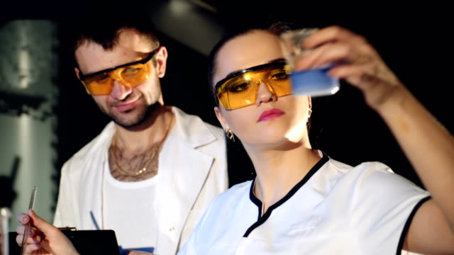 Two-scientists-work-in-the-laboratory-