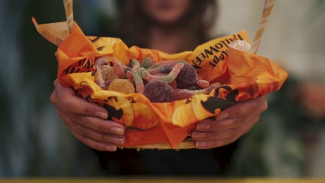Halloween-Close-up-of-sweets-basket