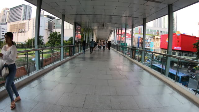 Crowd-of-people-on-the-downtown-skywalk-at-bangkok-Thailand