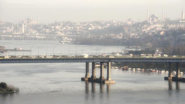 Puente-Halic-en-Estambul