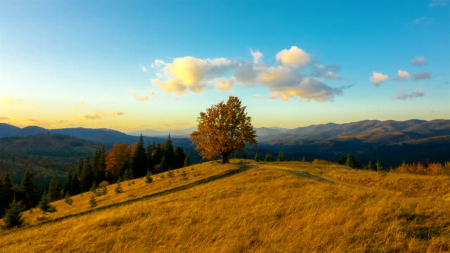 Autumn-Sunset-Sky-in-the-Mountains