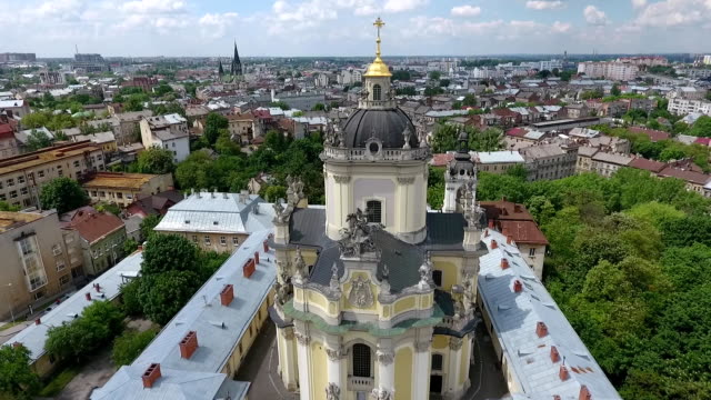 The-drone-flies-up-from-the-statue-on-St-George-s-Cathedral-aerial-shooting