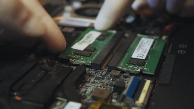 Replace-memory-in-laptop-process-v04