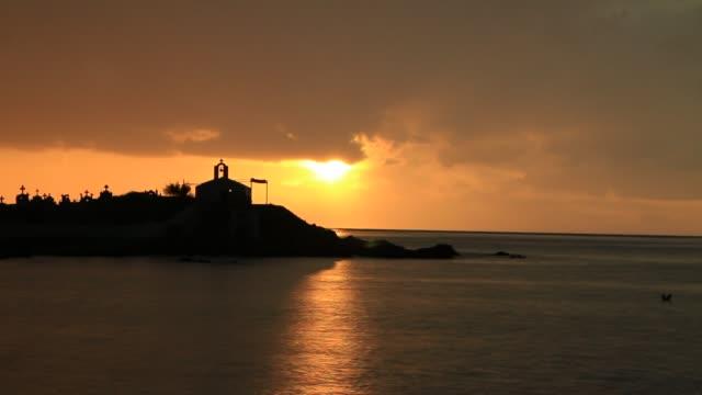Agios-Fokas-en-Grecia-Laconia-amanecer-en-tiempo-tormentoso