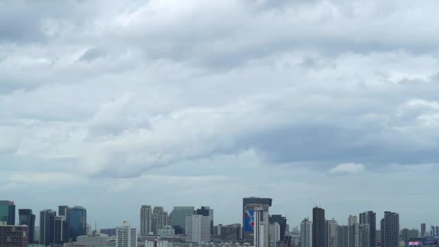 Skyline-von-Bangkok-im-regnerischen-Tag-Zeitraffer