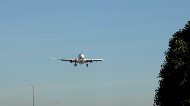 Airplane-on-landing-approach