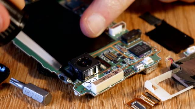 Brushing-flux-for-soldering