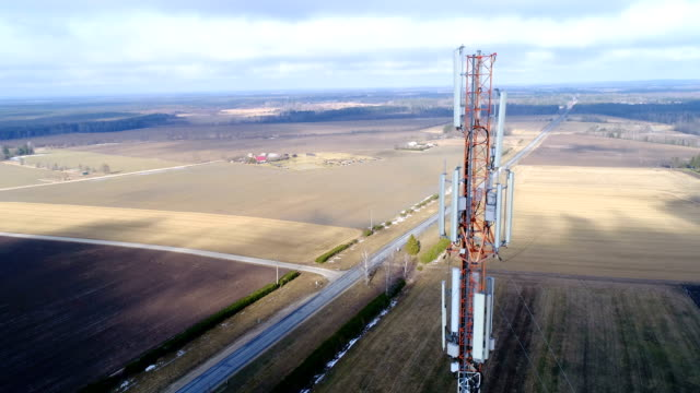 Closer-look-of-the-top-of-the-telecommunications-tower
