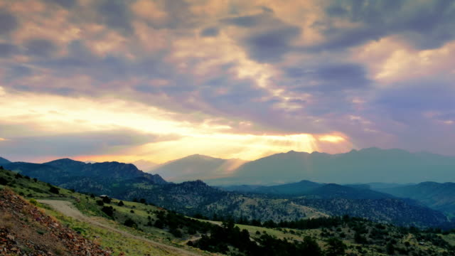 Time-lapse-Clouds-and-Mountians-(UltraHD-4K)