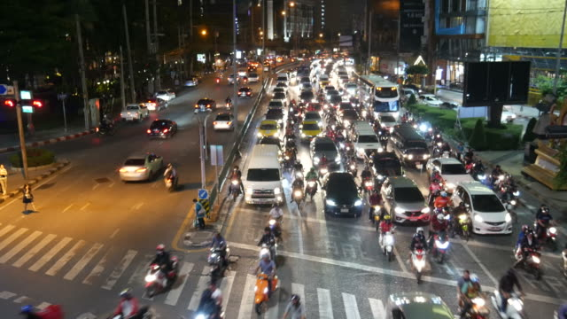 Tráfico,-paso-de-cebra-Asia
