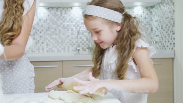Mather-have-fun-with-kids-on-kitchen-