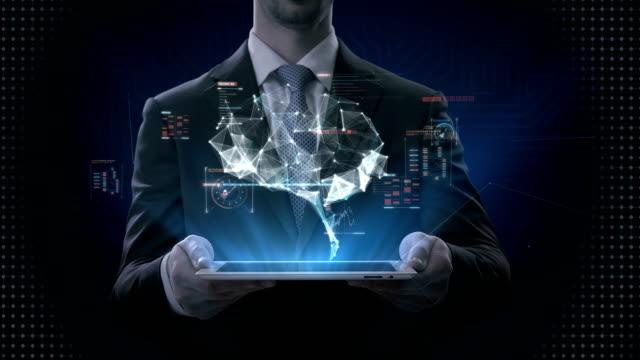 Tableta-elevación-de-empresario-cerebro-conectar-líneas-digitales-con-interfaz-digital-cultivar-la-inteligencia-artificial-4-película-de-k-